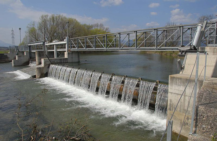 Example Weir © Wikipedia