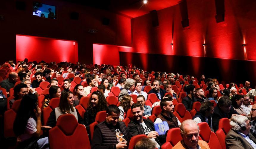 Die Wild Rivers Night fand im größten Kino Tiranas statt -  Kinema Millenium © Nick St. Oegger