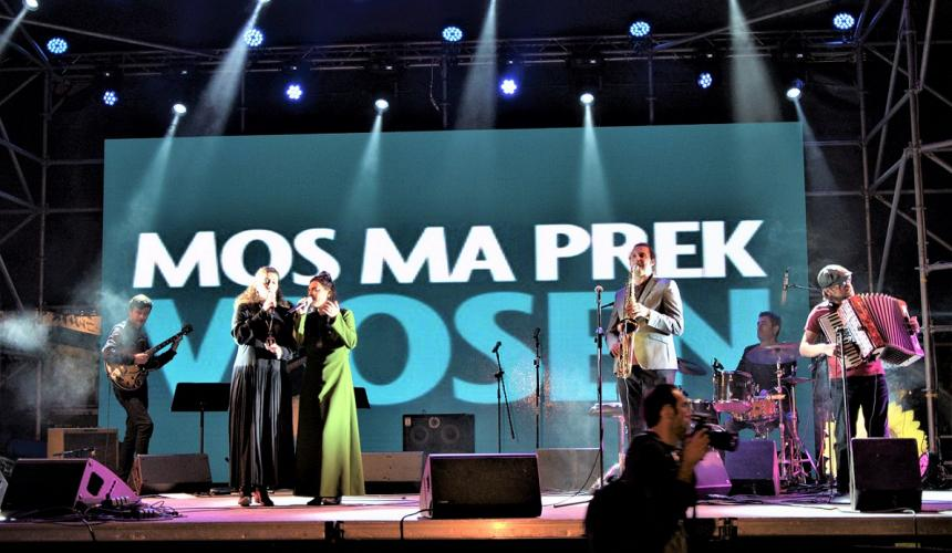 """Mos ma prek Vjosën – Hände weg von der Vjosa"" Konzert in Tirana © Moris Rama"