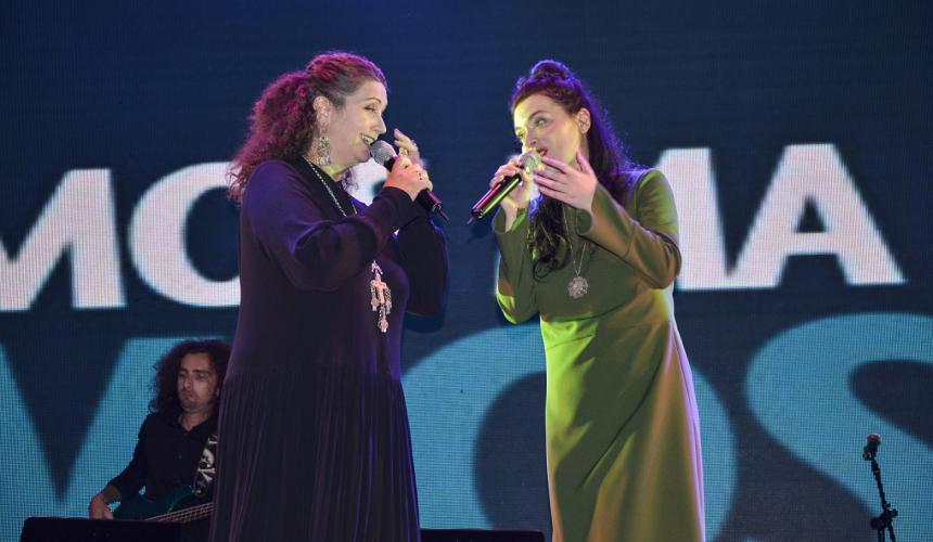 Die Initiatorinnen des Vjosa Konzerts: die großartige Eda Zari (links) und brilliante Elina Duni (rechts) © Moris Rama