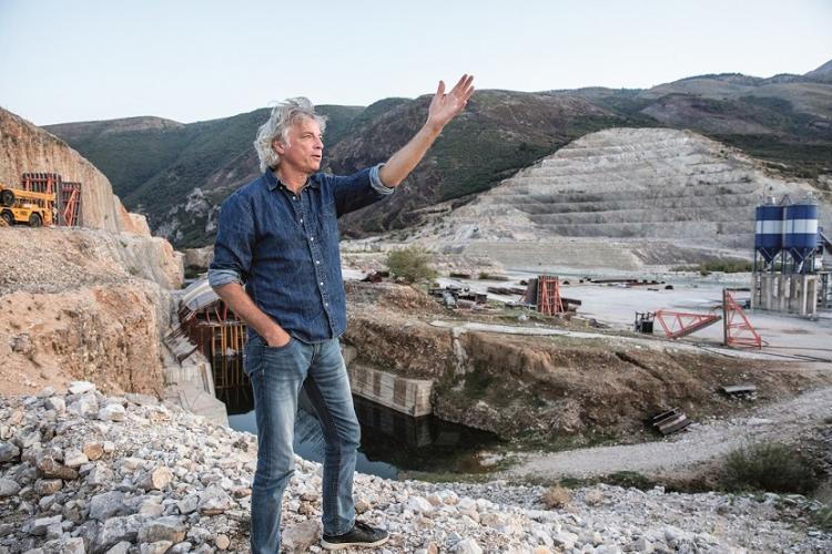 Ulrich Eichelmann auf der Kalivac Baustelle an der Vjosa in Albanien © Andrew Burr