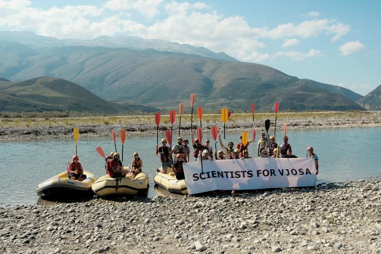 Wissenschaftler vereint für den Schutz der Vjosa in Albanien © Nick St. Oegger