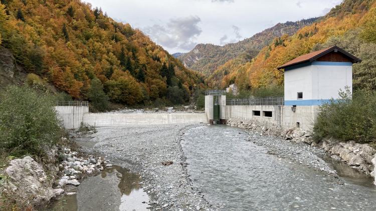 The Belaja power plant is one of the three KELKOS hydropower plants that must be taken off the grid pending final legal clarification. © Ulrich Eichelmann/Riverwatch.