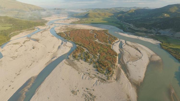 Die Vjosa ist der letzte große Wildfluss Europas außerhalb Russland © Gregor Subic