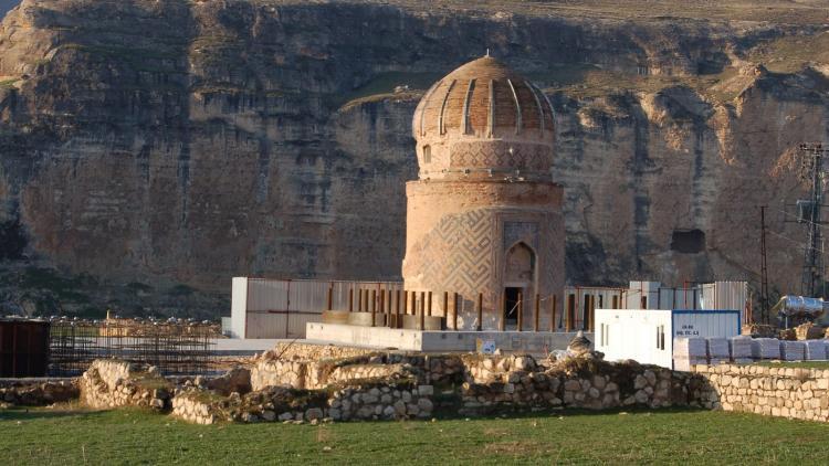 Das 600 Jahre alte Zeynel Bey Tomb Denkmal soll für den Ilisu Stausee umgesiedelt werden. Dabei würde das Denkmal seine kulturelle und historische Bedeutung verlieren. © Hasankeyf Matters