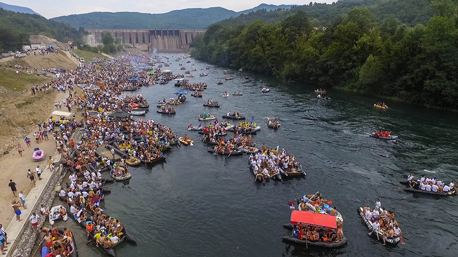 Biggest river related event in Europe: 20,000 people participated in this year's Drina Regatta, starting below the Bajina Basta dam which is 90 meters in height © Dušan Mićić
