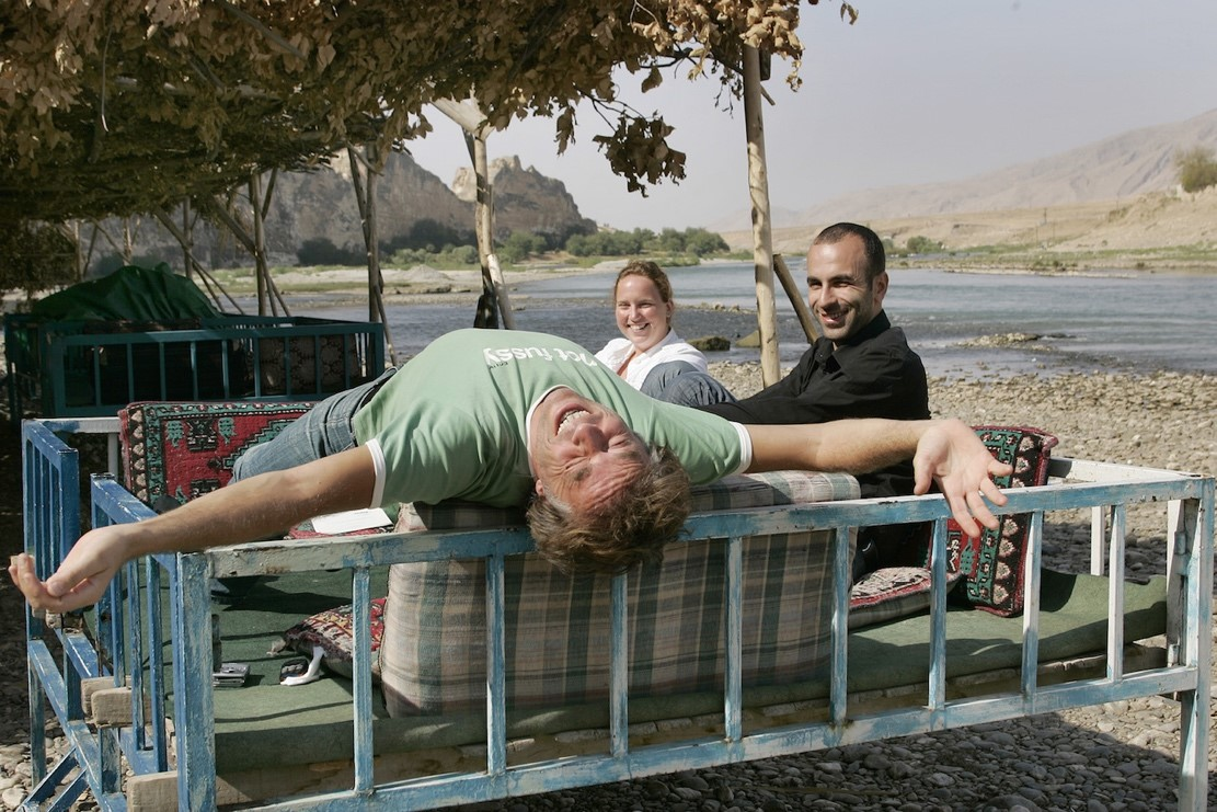 Good times in Hasankeyf, food & drink directly at the Tigris, 2007 © Foto Klemens Groh/Kronenzeitung