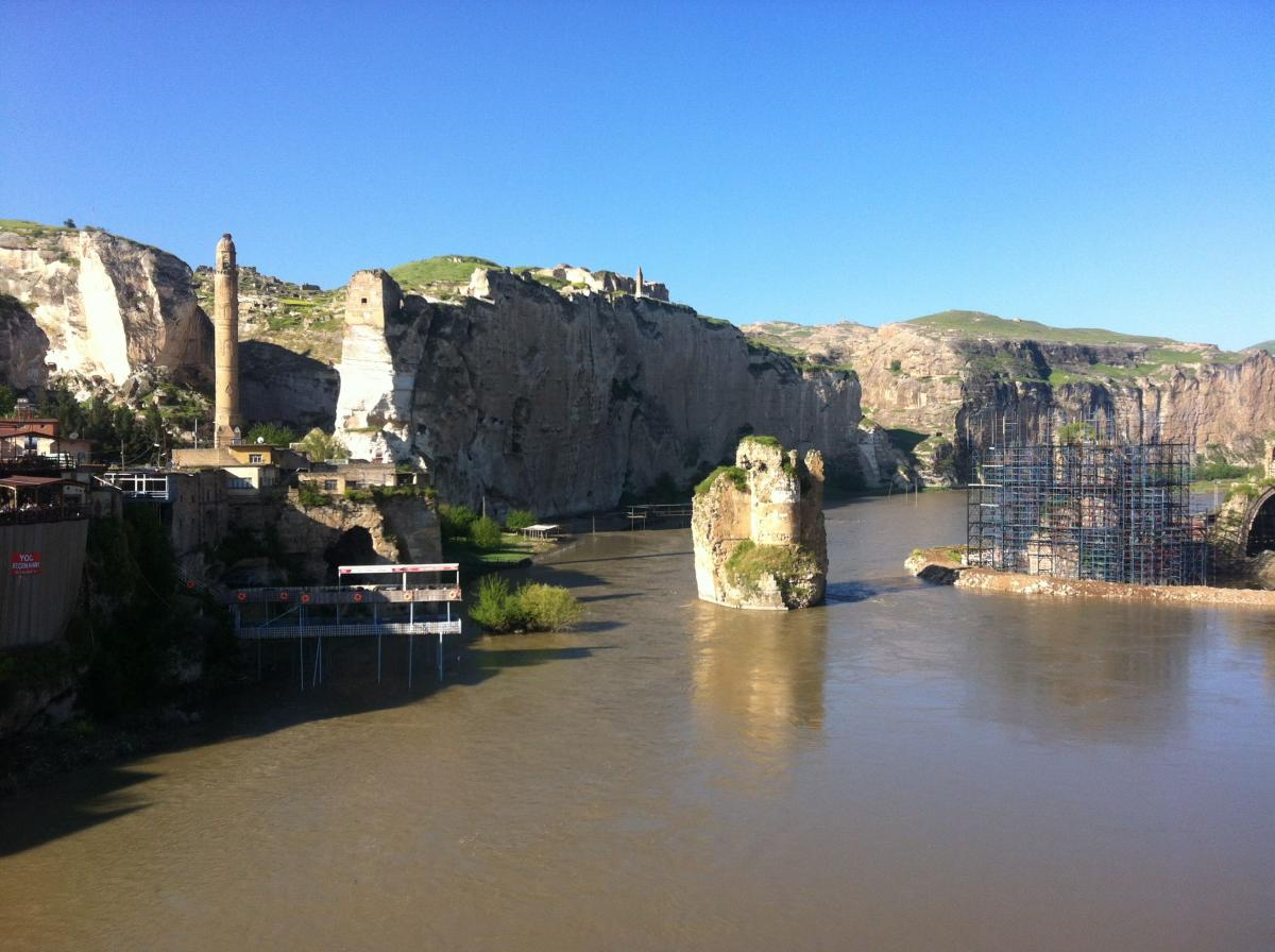 Historic city of Hasankeyf - to be drown in the Ilisu reservoir © Ulrich Eichelmann