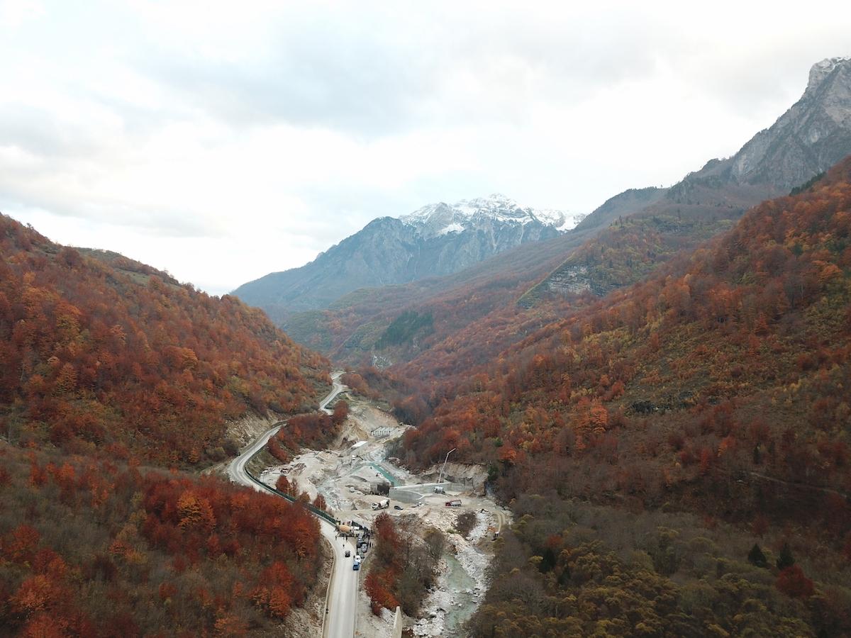 Baustelle an der Valbona, Albanien, mitten im Valbona Nationalpark. © Mirjan Aliaj