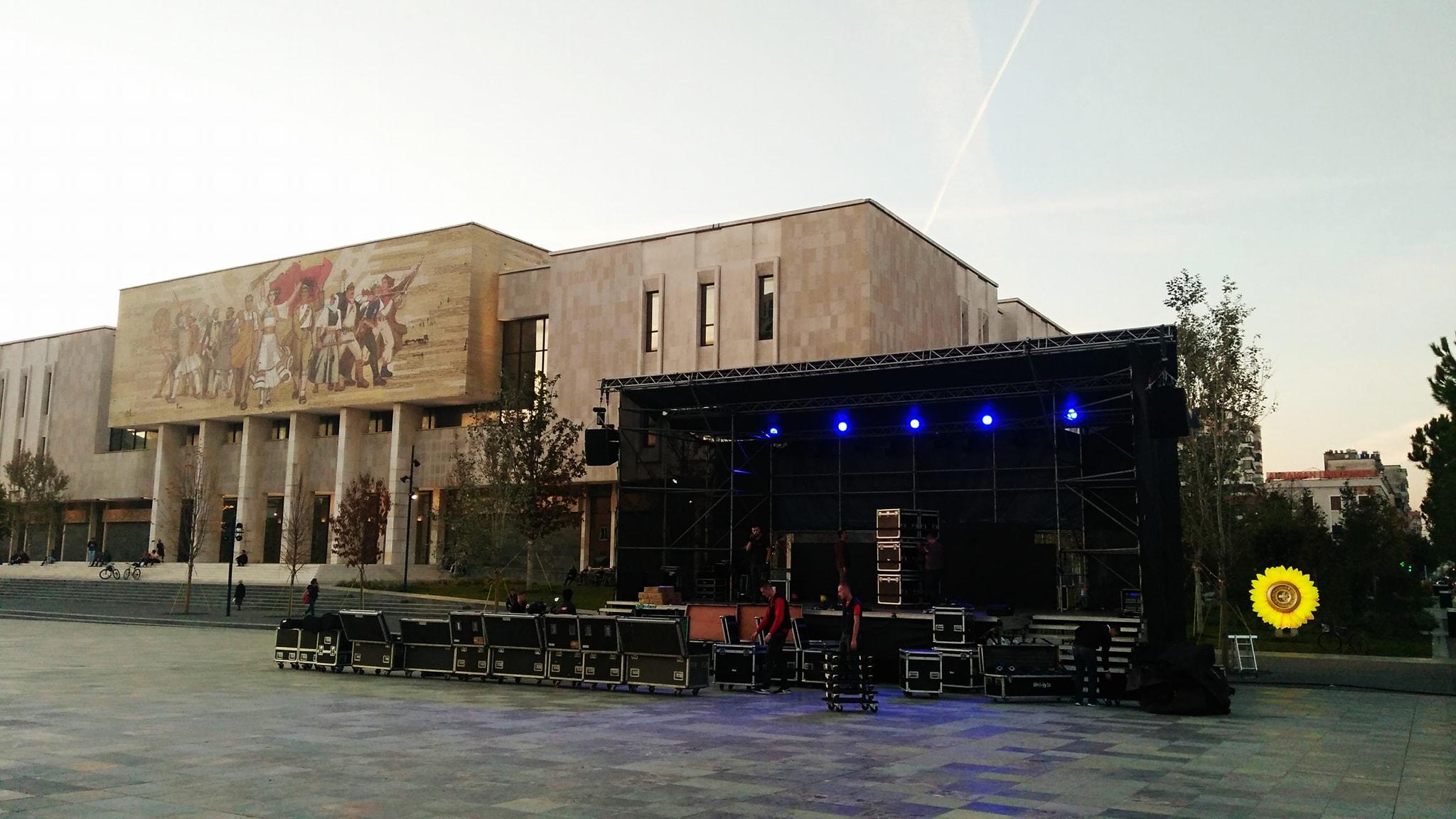 Preperation for tonight's Vjosa concert in Tirana © Cornelia Wieser